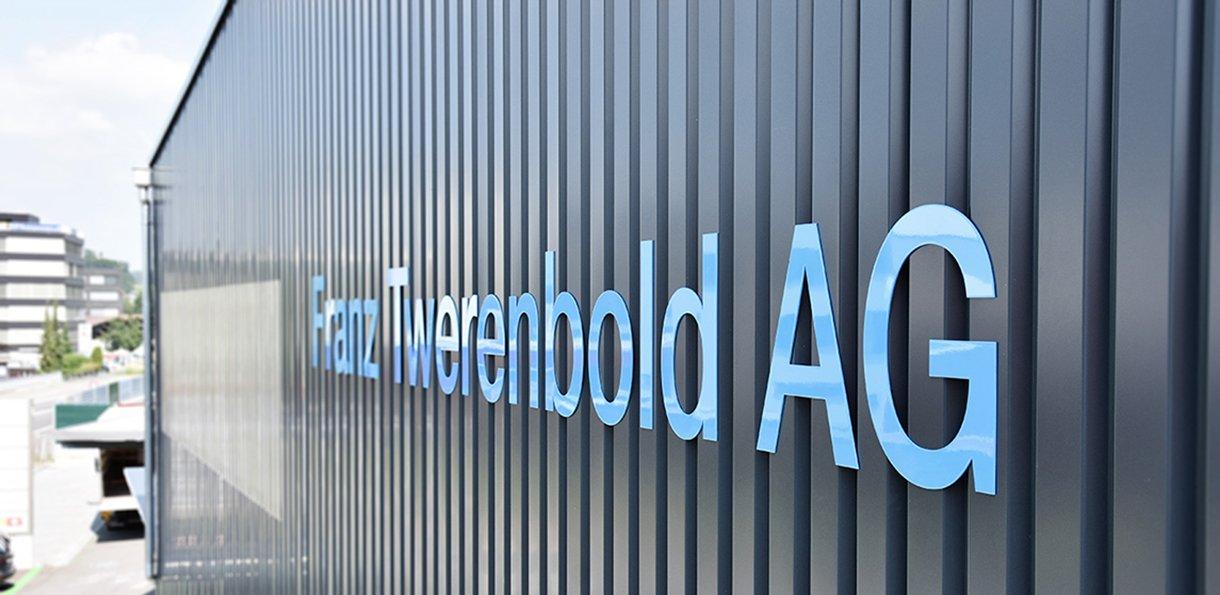 Fassadenbeschriftung Twerenbold AG