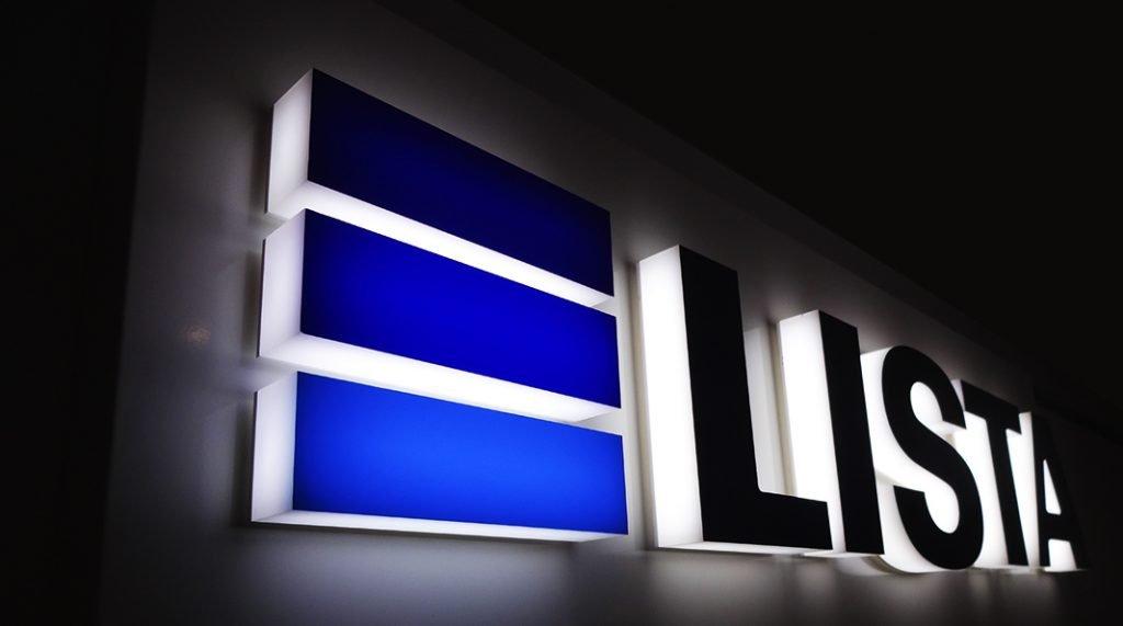 LED Leuchtschrift für Lista AG, Werbetechnik, Acrylbuchstaben